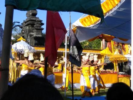 Penganyar Kecamatan Banjar di Pura Jagatnatha