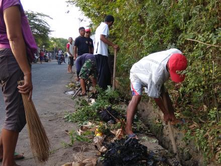 Dimulai 06.30 Pagi Bukti Semangat Bergotong Royong Masyarakat Banjar Dinas Menasa