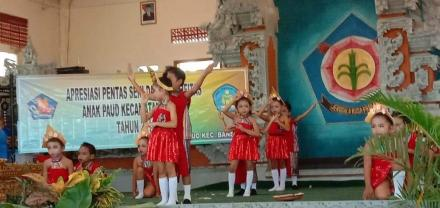 Panggung Gembira: Anak PAUD Punya Hari, TK Widya Kumara Sari Bawakan Tari Kreasi